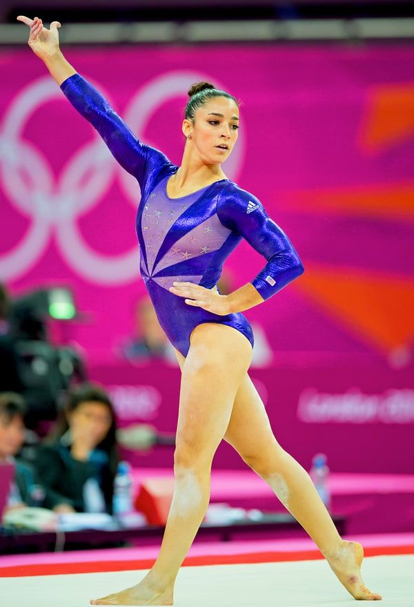 Olympic gold medal-winning gymnast aly raisman flaunts her