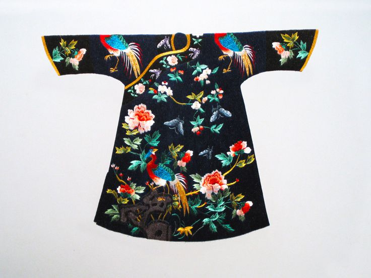 Black Floral Dragon Robe Kimono #Beautiful #Handmade #Silk #Embroidery #Art 78015 http://www.queensilkart.com/100-handmade-silk-black-floral-kimono-unframed-suzhou-silk-embroidery-art-78015/ The style of this garment has the name Dragon Robe, but not all Dragon Robes have a dragon design. Peonies are common symbol for the Empress and were popular decorations for ladies robes. This Dragon Robe came from the last Chinese dynasty, the Chin Dynasty.