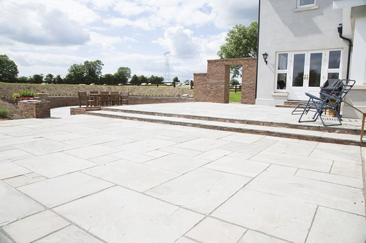 Natural Stone Masters is offering a complete collection of Cobbles Kandla Grey Stone to our highly prestigious buyers.....