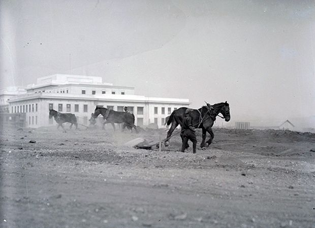 1926. Parliament House landscape development with horse teams. Canberra, Australia. Submit your modern Canberra images via the Mildenhall website. Photo Credit: William Mildenhall/NAA