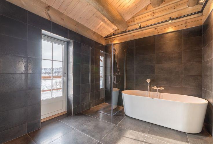 KIKUT - Praktfull hytte med utsøkt beliggenhet! 5 sov, loftstue, garasje, solrik utsiktstomt