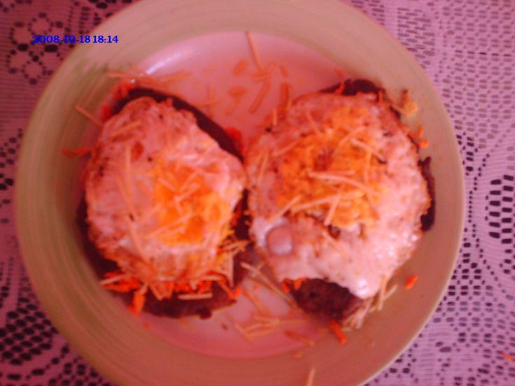 8 bifes grandes (contra filé ou alcatra) - Sal e pimenta do reino - 10 ovos - Óleo para fritar - Batata -