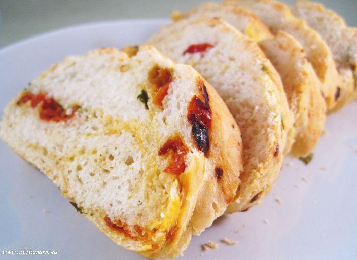 Aranka's Kookblog | Italiaans brood met gedroogde tomaat en basilicum | Aranka's Kookblog