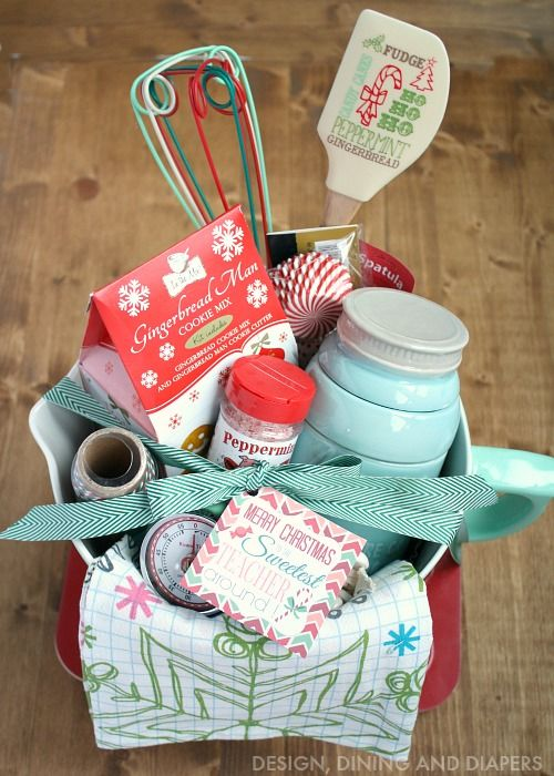 Building the perfect gift basket + free gift tag printable