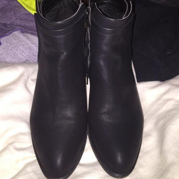 Madden Girl Ankle Boots  They're black and when you walk they're comfortable  they're lightly used and everything is shown on photos ☺️no damage at all except at the very top theres a little tiny bit of scratches that is all  Steve Madden Shoes Ankle Boots & Booties