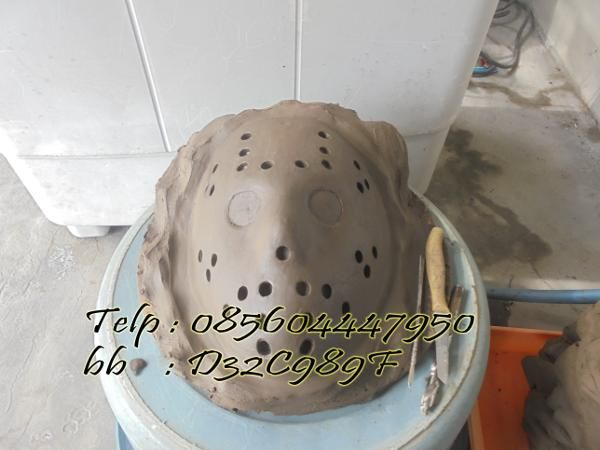 Jual beli jual clay prakarya/tanah liat prakarya/pure natural clay 1 kg  . di Lapak VAM CRAFT - vamcraft. Menjual Lain-lain - PERHATIAN MINIMAL ORDER 5 KG.  natural Clay / Tanah Liat prakarya tanpa campuran, siap pakai untuk berbagai kebutuhan : mematung, prakarya siswa, pembuatan master cetakan (fiberglass / silicone rubber),disain, DLL. tanah liat yang sudah di olah dengan mesin sedemikian rupa plastis, lembut, halus dan bersih terbebas dari krikil maupun pasir, Dikemas ...