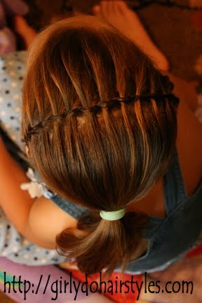 little girl hairstyling
