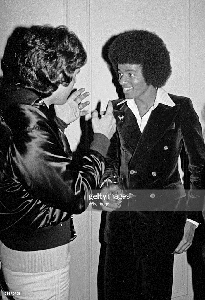 Michael Jackson visits Studio 54 after the Beatlemania concert May 31, 1977 in New York City. | Curiosities and Facts about Michael Jackson ღ @carlamartinsmj
