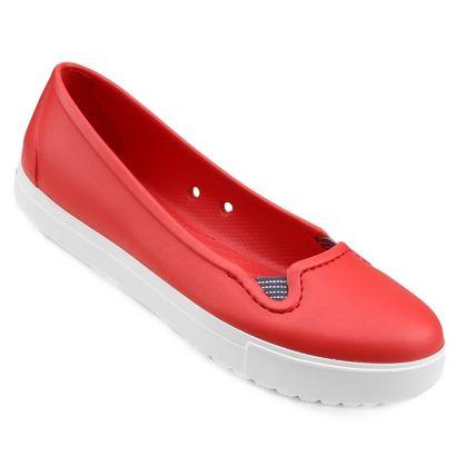 Confeccionada em material Croslite, a Sapatilha Crocs Citilane Flat Vermelho e Branco proporciona conforto profundo e maciez. O formato do calçado oferece charme delicado, que combina com diferentes ocasiões.   Netshoes