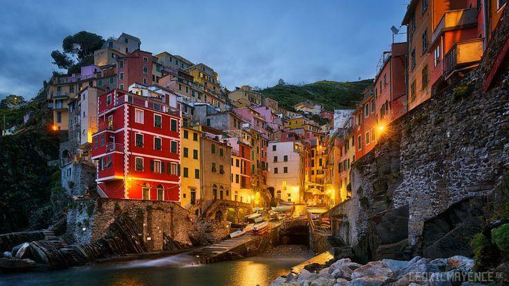 Riomaggiore - Cinque Terre - Italy by Cédric Mayence