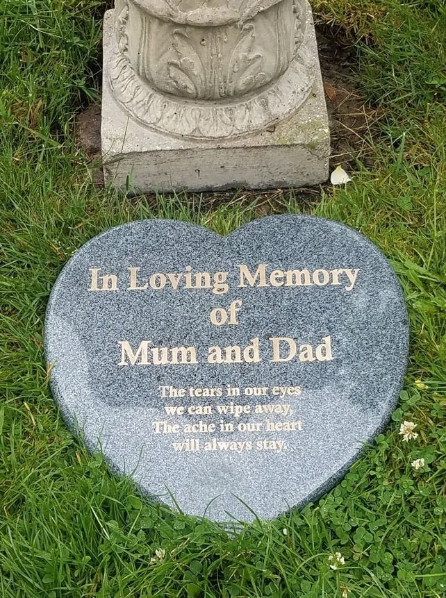 Personalised Memorial Vase Pot for Grave Headstone Black /& Silver Any Name Text