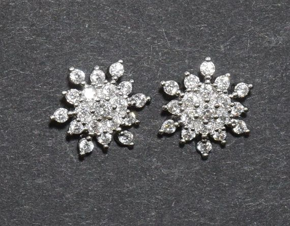 Snowflake Cubic Pendant, Wedding Jewelry, Jewelry Supplies, Jewelry Making, Polished Rhodium - 1pcs / UT0002-PR