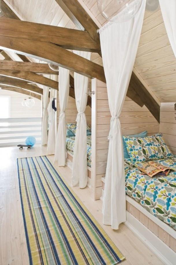 17 beste afbeeldingen over idee n zolderkamer op pinterest kast bed logeerkamers en hoekjes - Idee kast onder helling ...