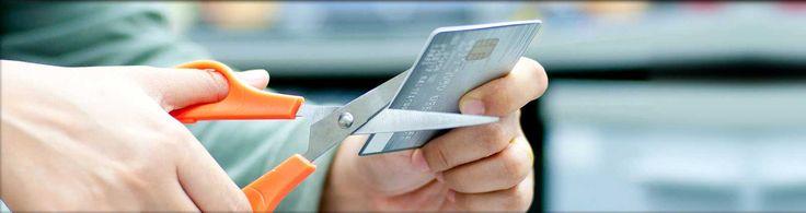 Refinansiering av kredittkort - Refinansiering av kredittkort og smålån gjennom et forbrukslån kan være første skritt på veien til starten på en bedre økonomi. Du kan spare tusenvis av kroner hver måned ved å samle alt i ett lån med lavere rente. #kredittkort #refinansiering #refinansiere