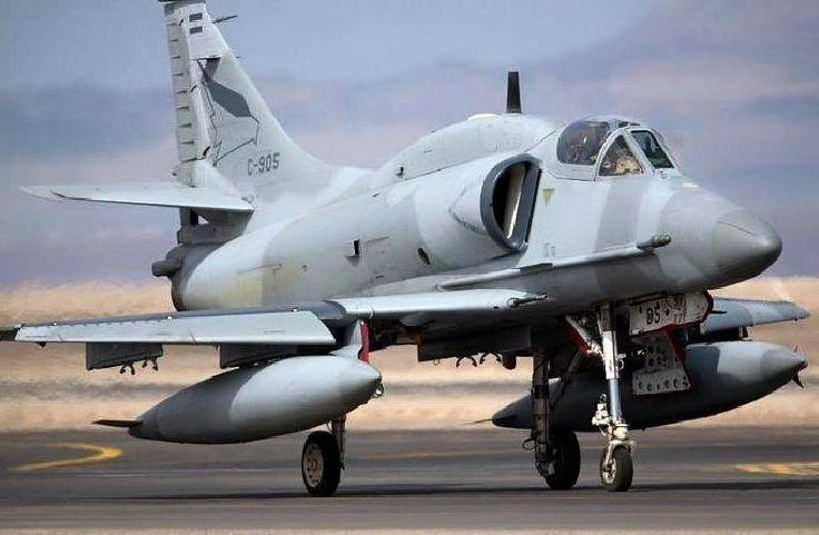 A-4AR Fightinghawk C-905 en la base Cerro Moreno de la Fuerza Aérea de Chile por el operativo Salitre 2009 Fuente: Mario Vilardo, Grupo A-4 Skyhawk - Argentina