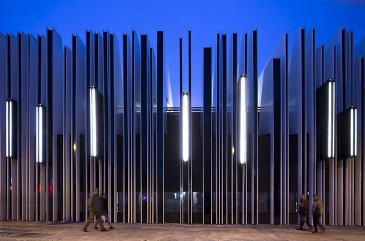 A-cero mimarlık ofisi İspanya'nın Getafe kasabasındaki eski pazar binasını halkın kullanabileceği bir kültür merkezine dönüştürdü.