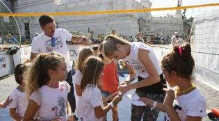#sport - #salute - Carolina Kostner e Vincent Candela con i bambini presenti alla terza tappa di OVS Kids Active Camp, Roma, 05 ottobre