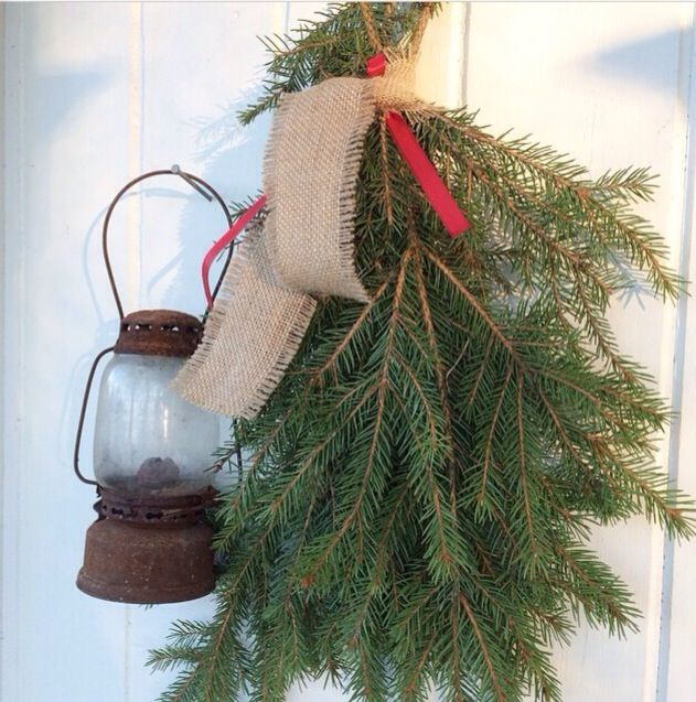 Lovely Christmas idea to hang by the front door