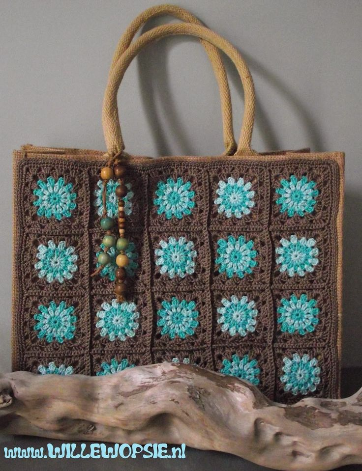 Great idea! Granny square panel stitched on to a canvas shopping bag! Awesome idea.