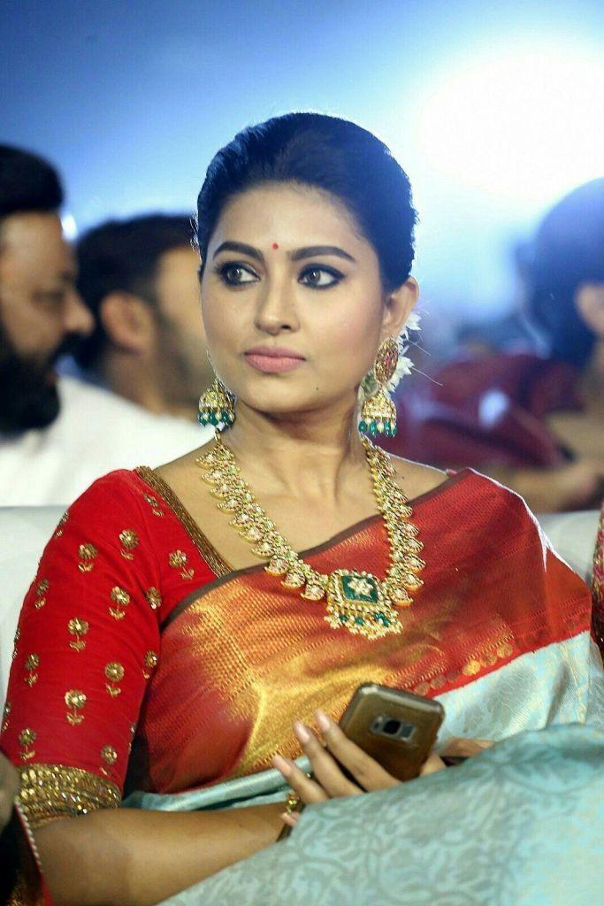 Sneha Prasanna Wiki, Age, Biography, Movies, web series, and Beautiful  Photo… in 2021   Most beautiful indian actress, Beautiful indian actress,  Beautiful bollywood actress