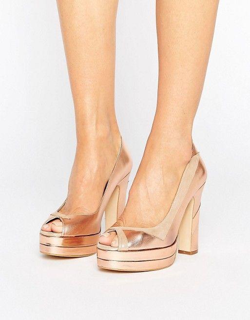 Terry de Havilland - Luna - Chaussures peep toes en cuir à talons et semelles compensées - Blush  172,99 € ASOS