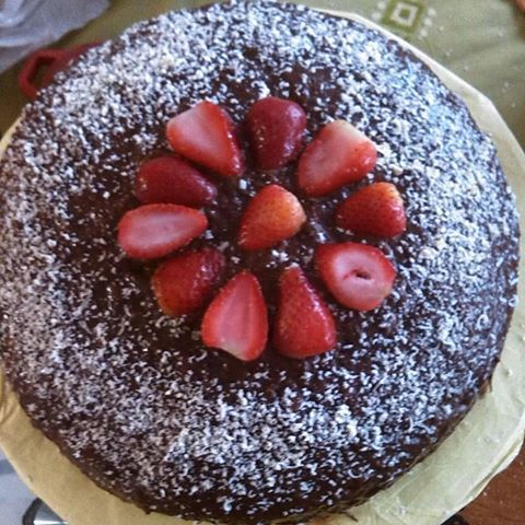 Torta de chocolate sin gluten, sin conservantes y sin dulce. #singluten #sinconservantes #natural #cocolate #fresas #cook #hereismyfood #thekitchn #foodwinewomen #beautifulcuisines #buzzfeast #foodwinewomen