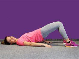 Cvik s vlastní vahou posílí hýžďové svaly i pánevní dno