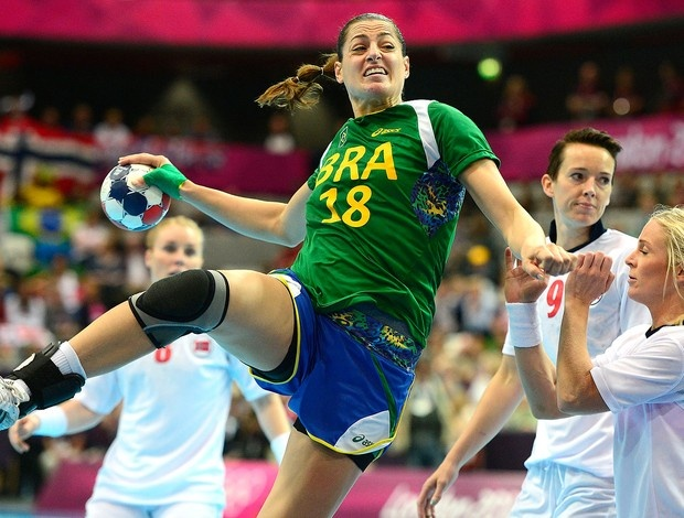 Eduarda Amorim - Handball - game against Norway (globoesporte.globo.com) (Foto: AFP)