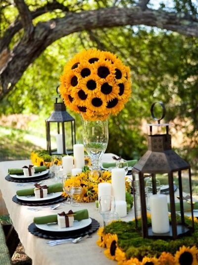 Aus Sonnenblume eine Sonne formen die dann über den Tisch gehängt werden kann! Einfach wunderschön! #tollwasblumenmachen #flower #sunflower
