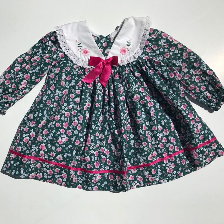 How adorable is this vintage floral dress?! Marked 24 months perfect for #easter #spring free shipping
