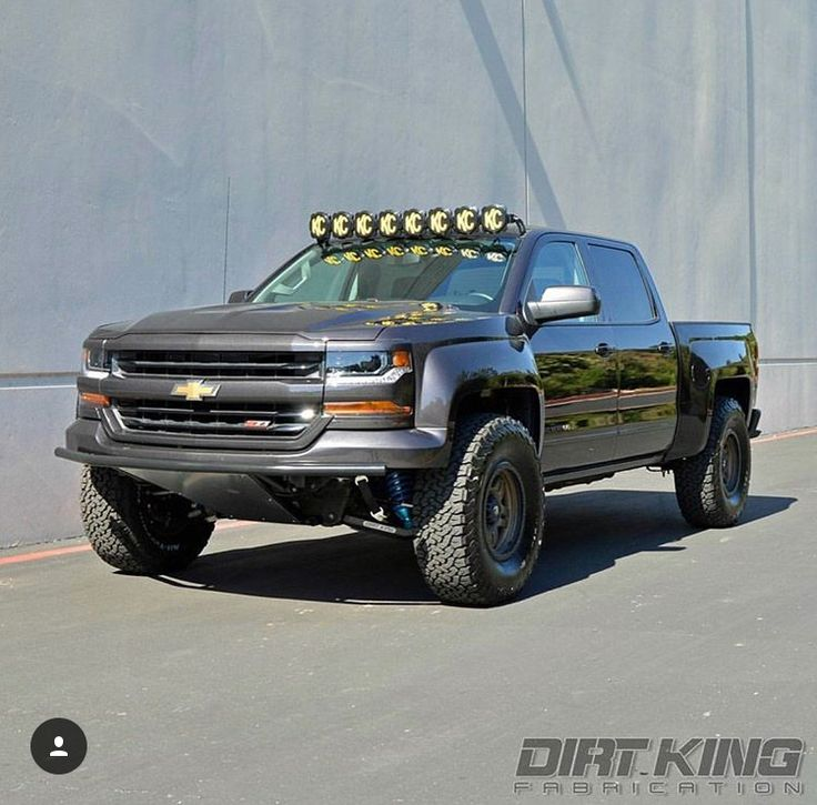 This Truck Is What Made Me Buy The Same Kc Lights For My Truck Which I Just Installed Truck Bumpers Chevy Pickup Trucks Chevy Trucks