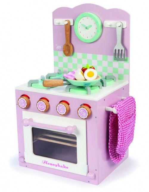 Wooden stove/oven set from Le Toy Van. This pretty little oven comes complete and matches the Le Toy Van sink and washing machine sets. AGE:  3+#toys2learn #letoyvan#sink#washing #machine#oven #kitchen#cooking#cook#toys#toy #pretendplay#play#children#child#kids