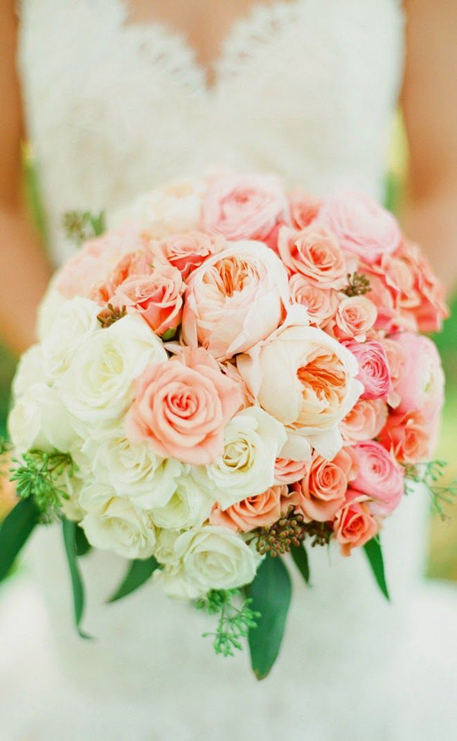 Peaches and cream ~  Lindsay Madden Photography, Beautiful Blooms | bellethemagazine.com