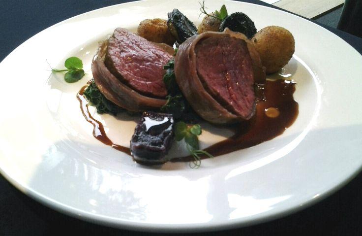 No8 bar Head Chef Scott Corbett's Premier Selection Reserve Beef Eye Fillet http://www.stuff.co.nz/life-style/food-wine/silverfernfarms