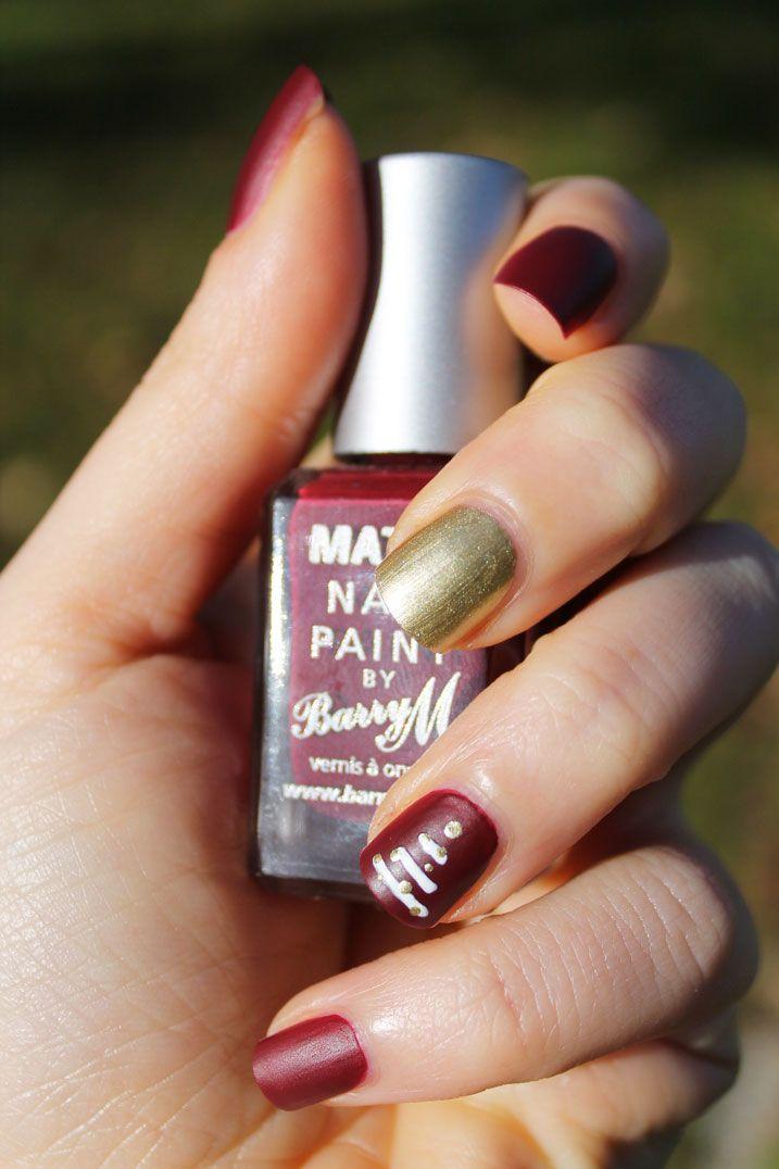 Nail Art Natalizia con Barry M rosso matte e oro - Ravedoll