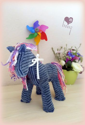 Horse sewing - recycling  Játék ló varrása - újrahasznosított anyagokból