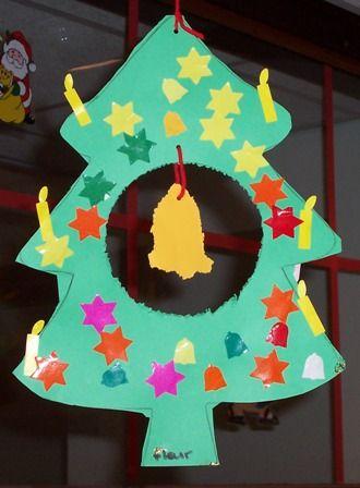 Kerstboom knippen, prikken, beplakken