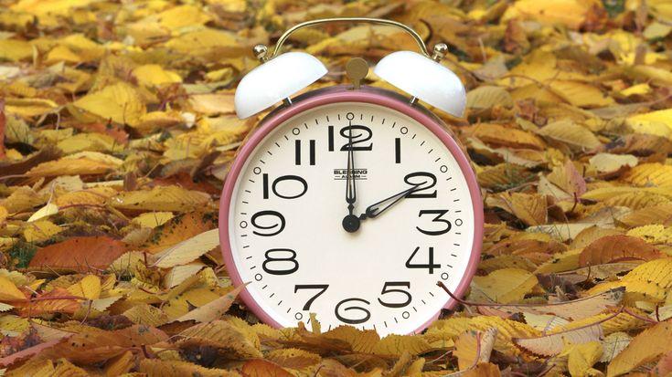 Es ist wieder soweit: Die Winterzeit beginnt. Das bedeutet, dass wir in der Nacht zum 30. Oktober die Uhr um eine Stunde zurückstellen dürfen. Aber was bedeutet die Zeitumstellung für den Körper wirklich?