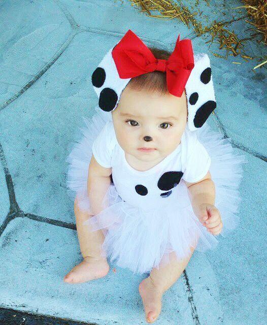 BUSHEL & PECK: Dalmatian Halloween costume tutorial.