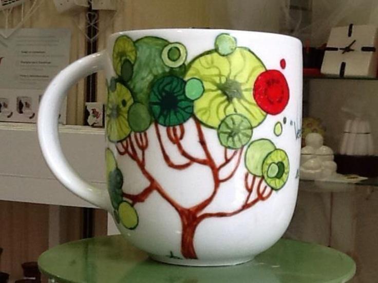 Tree hand decorating mug ...