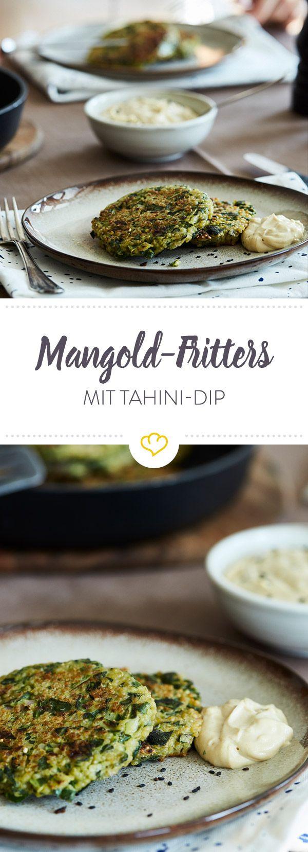 Gesunder Inkareis trifft auf grünes Stielgemüse - und schon kurze Zeit später landen knusprige Mangold-Quinoa-Fritters auf deinem Teller.