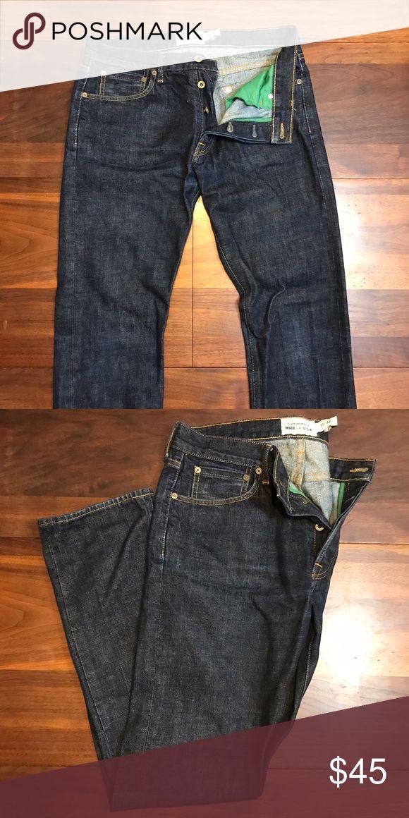 "Club Monaco slim fit jeans 31x32 Lightly used Club Monaco denim made in the USA. 31"" waist 32"" length. Button closure dark blue wash. Club Monaco Jeans Slim"