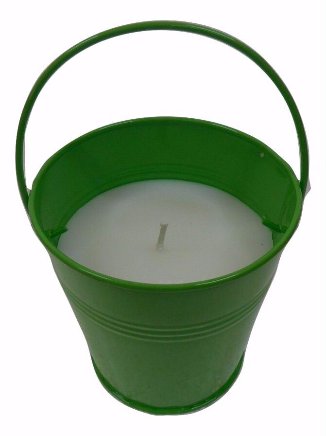 Mosquito repellent bucket candle . 75-100 hrs burning time