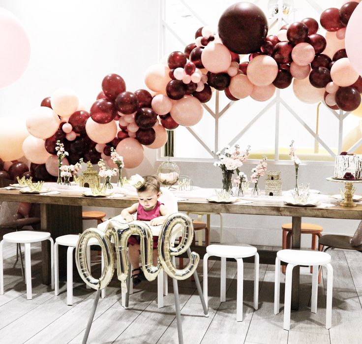Balloon garland by Party Shop Avenue