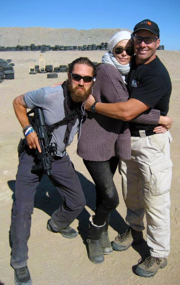 Tommy as Max Rockatansky & Charlize Theron - Mad Max: Fury Road (2015) behind the scenes / TH0040