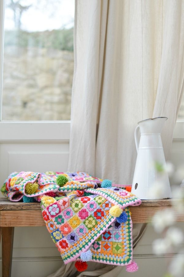 """Heart"": gypsy granny square - lovely blanket by Giuliana @ di cuore love love love the pompom edging!"