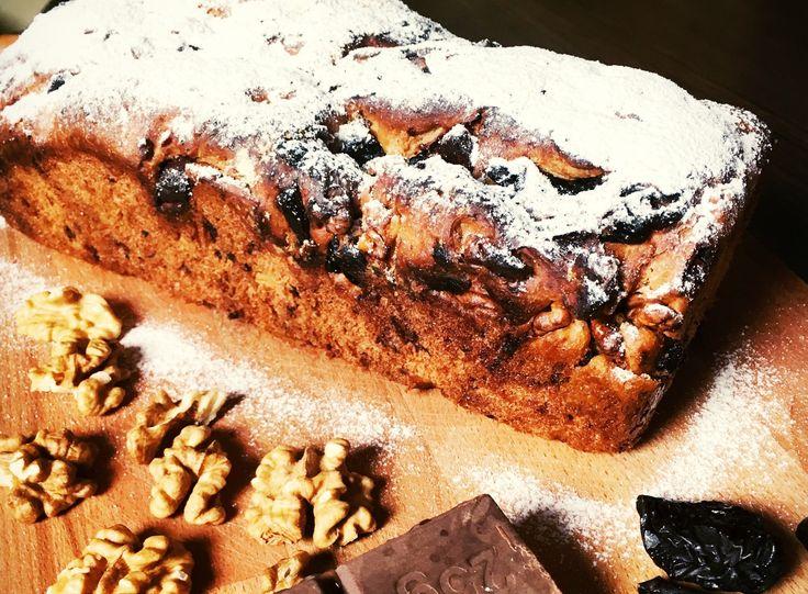 Slivkovo-orechovo-čokoládový chlieb