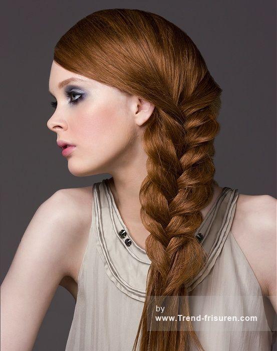 DIE FARBE RAUM Lange Rot weiblich Gerade Farbige Geflochtene Zöpfe Frauen Renntag Frisuren hairstyles