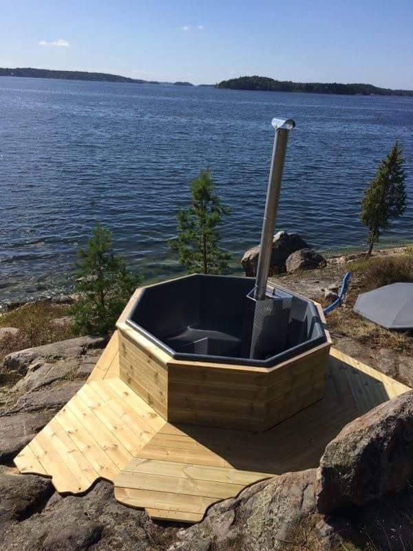 Den här utsikten kan man inte klaga på när man sitter i badtunnan.
