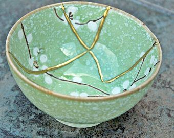 Kintsugi Vintage bowl, cuenco Kintsugi porcelana oriental. Flor cerezo.